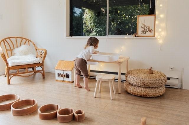 Voor- en nadelen van een loopstoeltje voor je kind